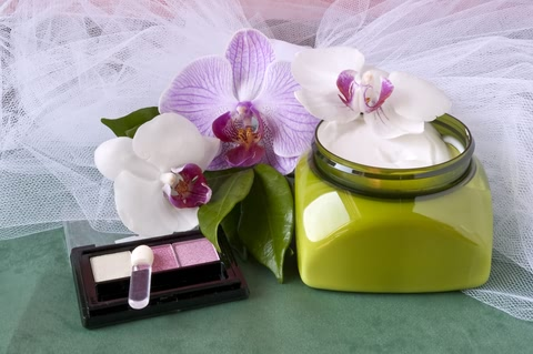 How to Create Your Own Beauty Range